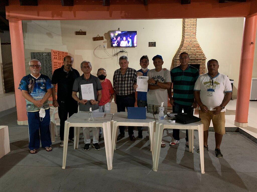 Lenha na Fogueira e a  Escola de Samba Os Pobres do Caiari - Gente de Opinião