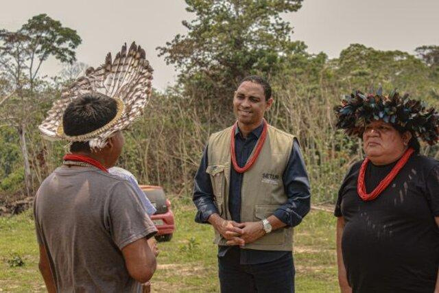 Superintendente da Setur, Gilvan Pereira, conhece projetos em aldeias da comunidade  - Gente de Opinião