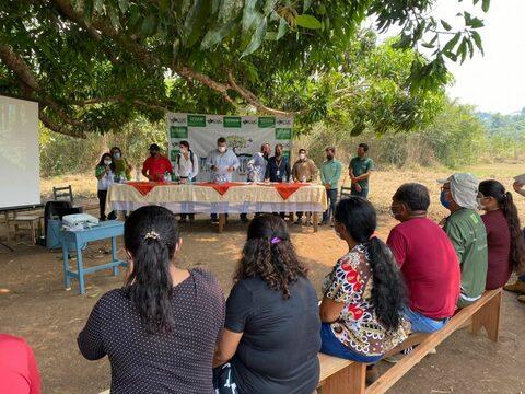"""Projeto """"Luz para Educação"""" leva energia solar para escola na Reserva Extrativista Rio Pacaás Novos"""