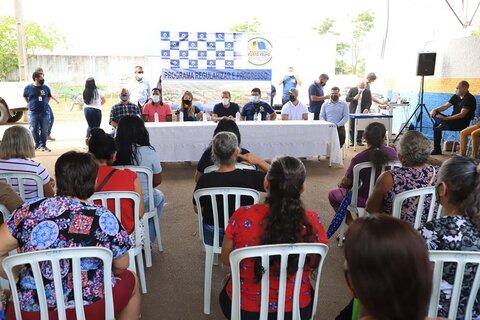 Prefeitura de Porto Velho entrega títulos a moradores dos residenciais FNHIS I e Pró-Moradia Sul