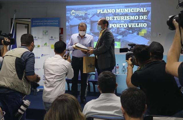 Prefeitura de Porto Velho recebe Plano Municipal de Turismo elaborado pelo Sebrae