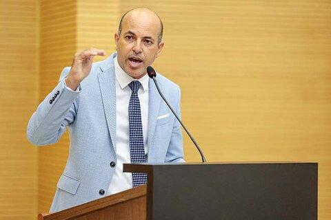 Deputado Ismael Crispin chama atenção mais uma vez para importância dos psicólogos e assistentes sociais nas escolas públicas