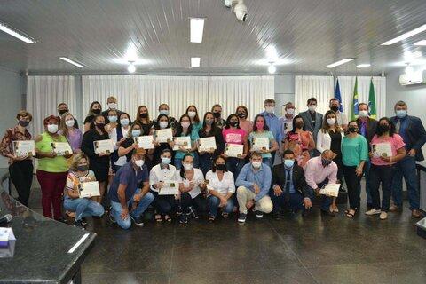 Professores de Rolim de Moura são homenageados com Moção de Honra e Reconhecimento