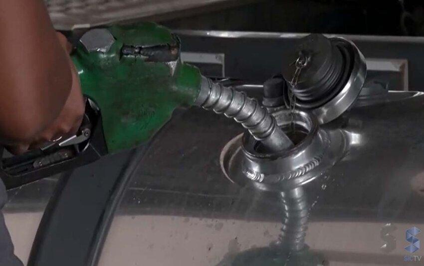 Presidente Jair Bolsonaro anuncia auxílio a caminhoneiros para compensar alta do diesel