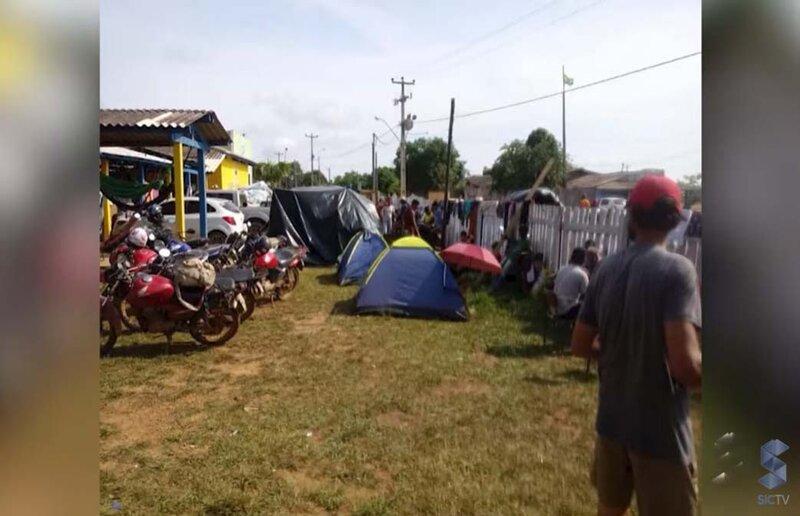 Escola vira abrigo e deixa 200 alunos sem aulas em Nova Mutum